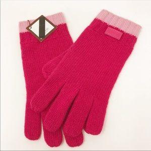 NWT Coach Fuchsia Knit Gloves
